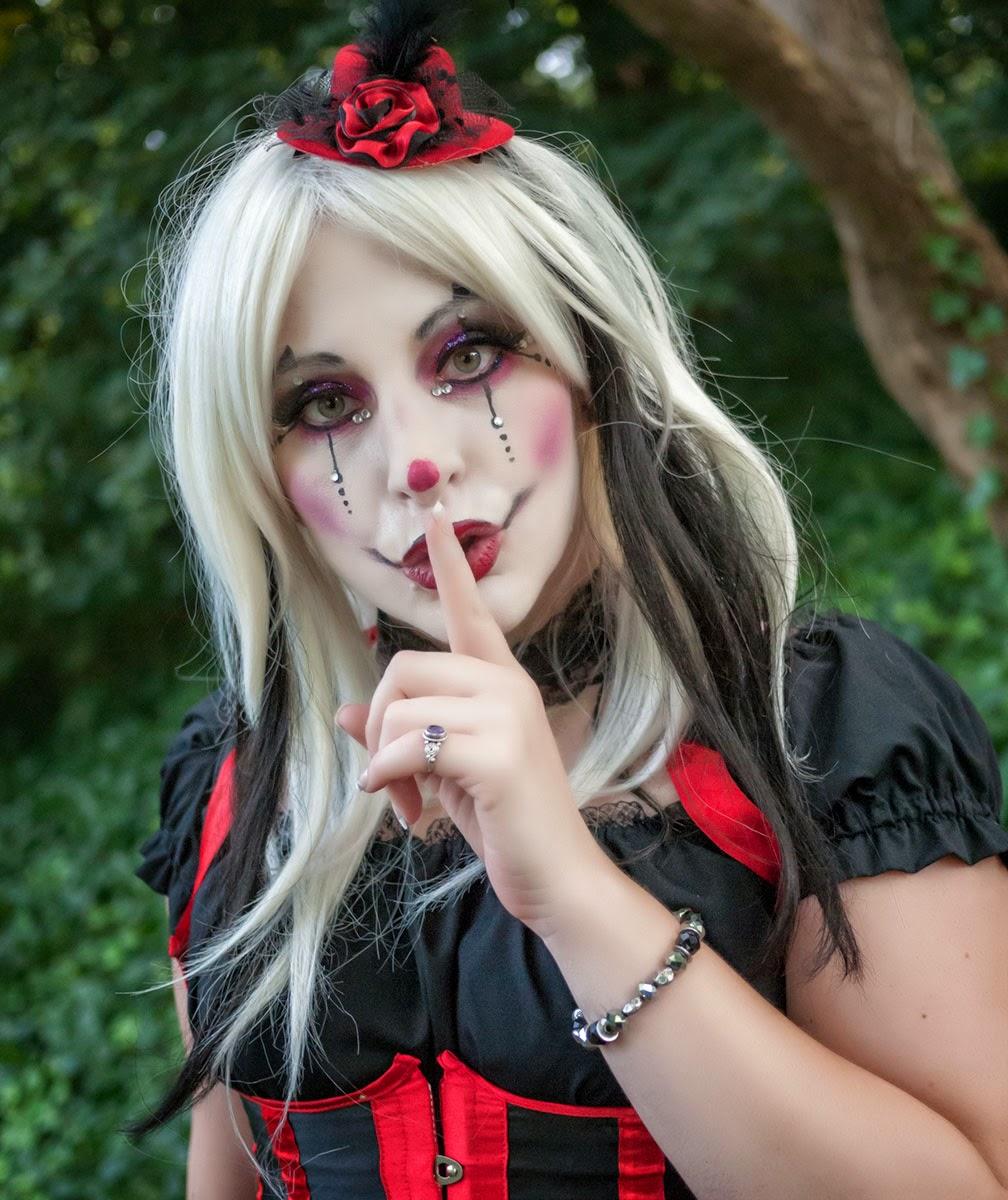 Clown & Pink Furry Cyber Girl en Elfia