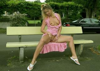 Casual Bottomless Girls - rs-yvonne_2624-775564.JPG