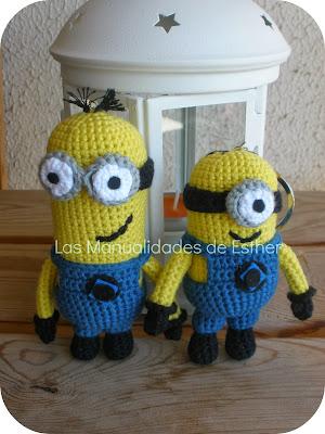 llaveros amigurumi minions realizados a crochet con DMC Natura