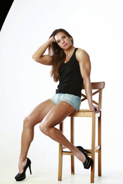 Ekaterina Gamagina calves high heels