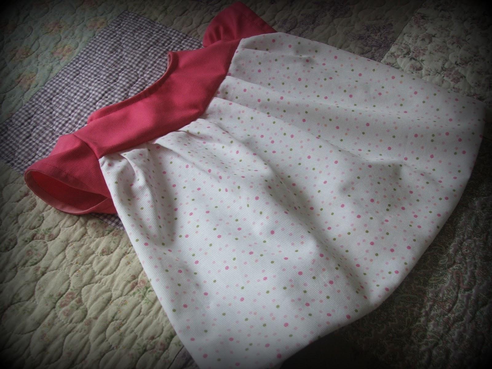 vestido de niña en tela piqué