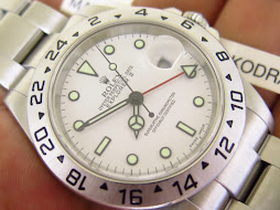 ROLEX EXPLORER II WHITE POLAR DIAL 40mm - ROLEX 16570 SERIE F YEAR 2005 - AUTOMATIC CAL 3185 - MINT