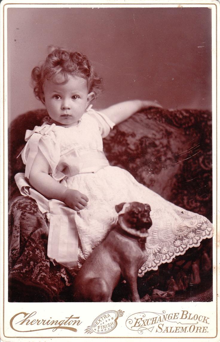 Старое фото с ребенком
