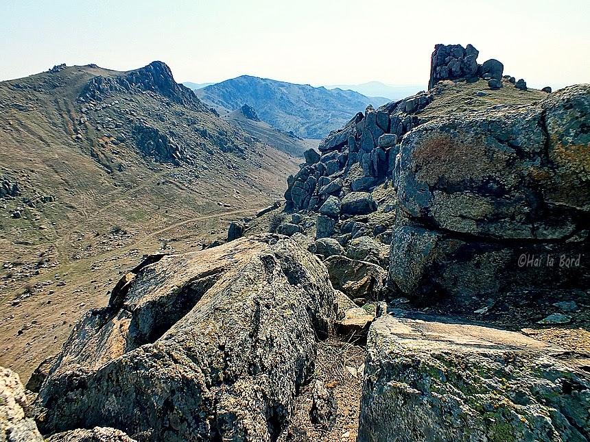 peisaj culmea pricopanului muntii macin
