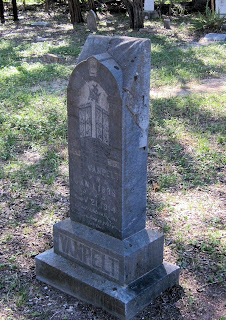 Gravestone of California Elizabeth Elam, wife of Malcolm Van Pelt