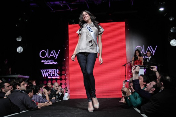 Photos of Miss Universe 2011 - Fashion Show - Italy Contestant