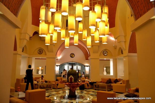 The Cove Rotana Resort grand lobby