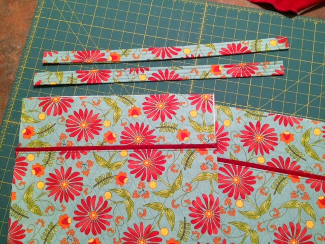 Because I say sew ;) : Not a Vera Bradley bag, but a free pattern!