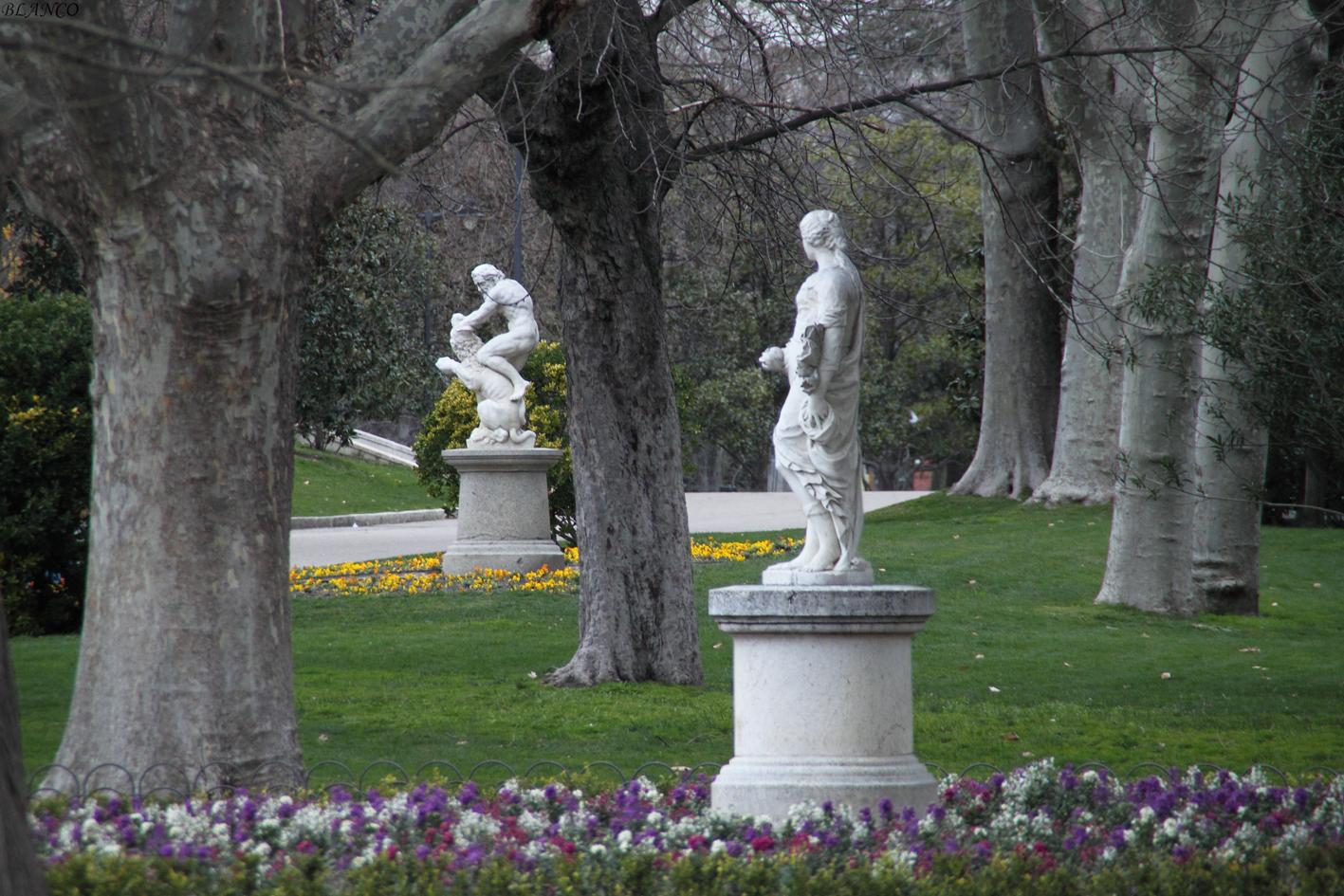 Madrid en foto parque del retiro estatua de hera - Esculturas para jardines ...