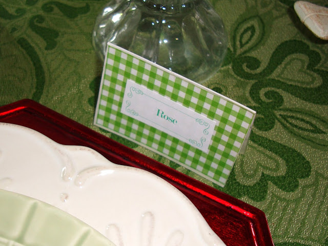 Easy DIY Gingham Placecards