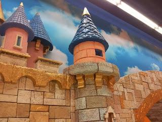 Детски магазин Hippoland декор на приказен замък 1