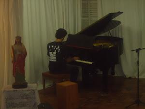 Lucas  Morales (piano)