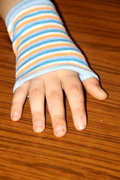 como hacer un guante sin dedales