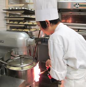 Préparation de la crème mousseline - Pâtisserie Sébastien Dégardin