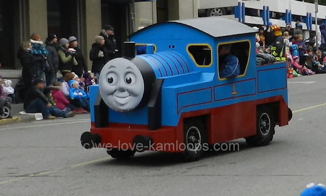 Car made to look like the tv Thomas, the train