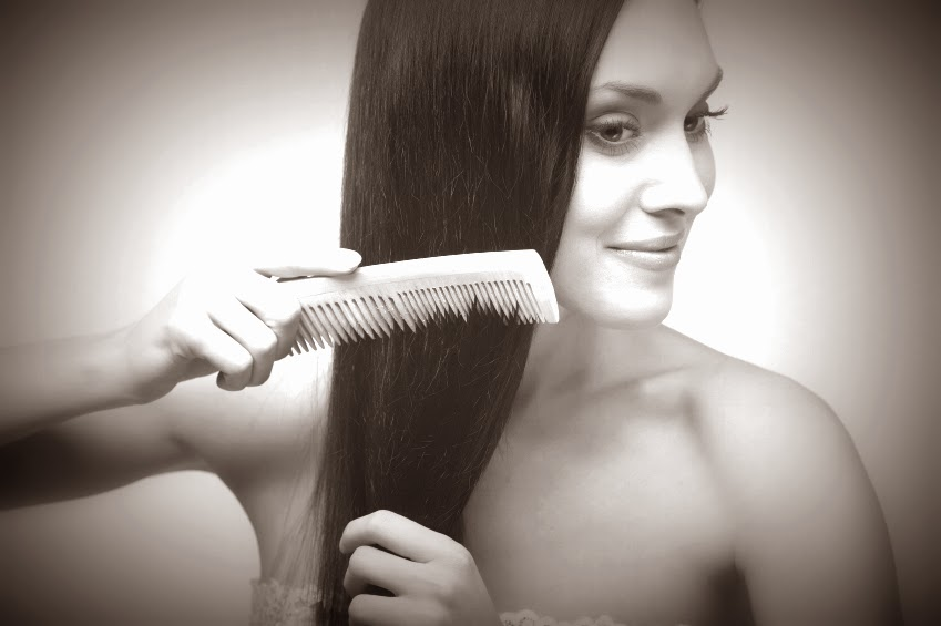 combing hair, hair tips, long hair tips