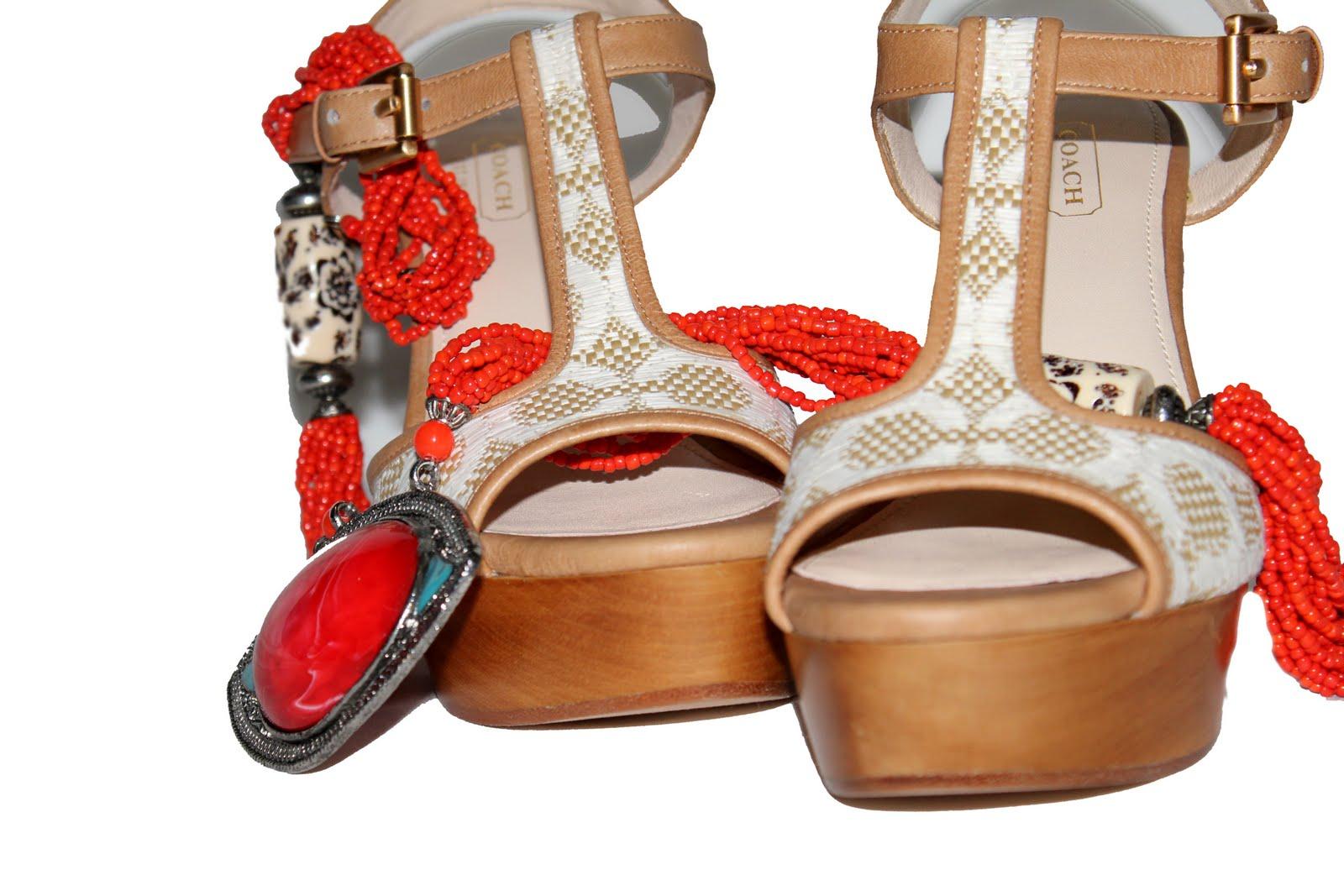 http://4.bp.blogspot.com/-HqbIVDhHTZA/Tb5BHljrl3I/AAAAAAAAACo/-Uy4-B2HHy8/s1600/Coach%20shoes%202.jpg