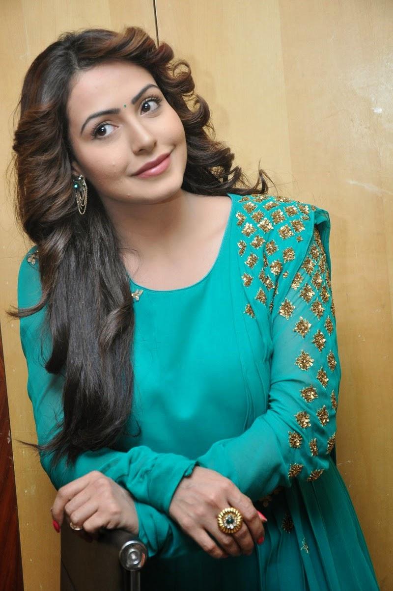 Actress Nandini glamorous photos-HQ-Photo-7