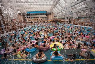 Kolam renang paling ramai di dunia