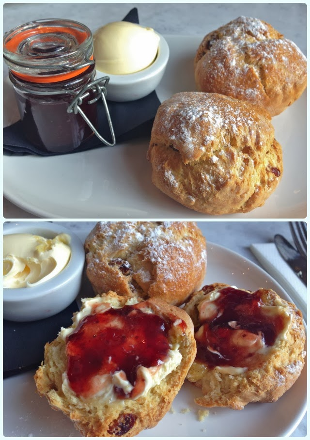 Rosylee Tea Rooms, Manchester - Scones