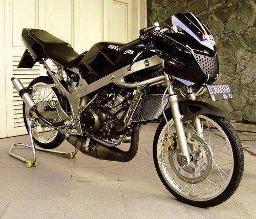 Modifikasi Kawasaki Ninja 4 Tak Hitam Simple Kiriman Chibelarak Semplak