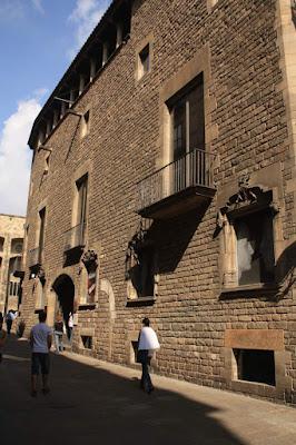 Casa Clariana-Padellàs in La Plaça del Rei