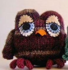 http://translate.googleusercontent.com/translate_c?depth=1&hl=es&rurl=translate.google.es&sl=en&tl=es&u=http://www.craftfoxes.com/how_tos/owl-amigurumi-free-knitting-pattern&usg=ALkJrhiX6KwQ63sW9AC0pI8CSV2Mao3OLw