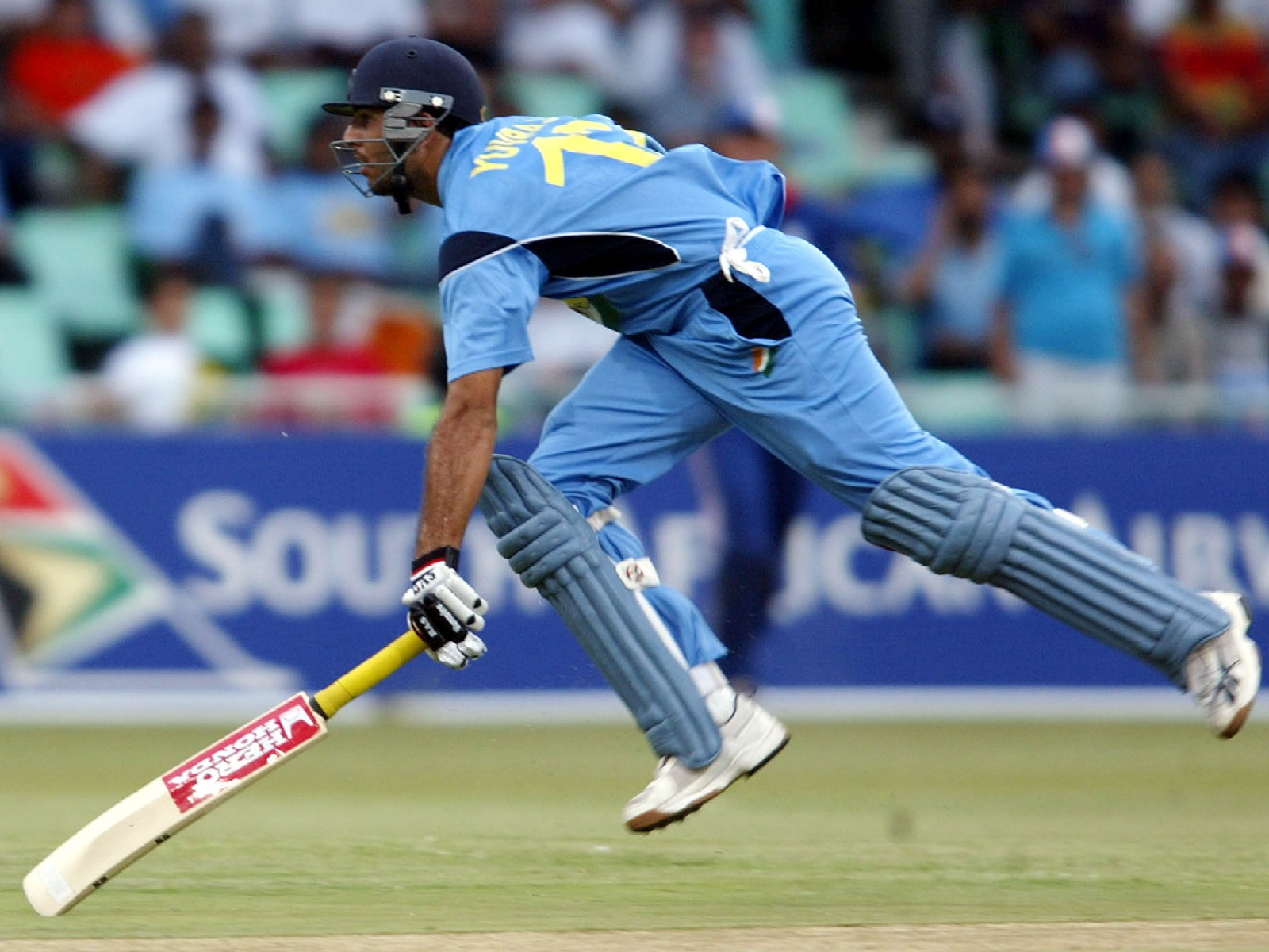http://4.bp.blogspot.com/-Hs0FPFrkW18/TzJBZyDeeYI/AAAAAAAAOL8/_PLwthh0ja0/s1600/cricket_1.jpg