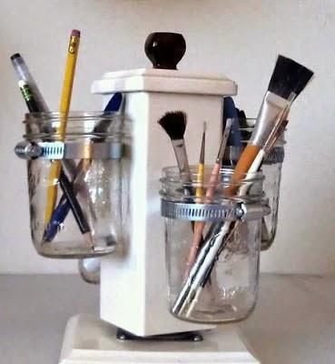 Organizador de Escritorio con Frascos Reciclados