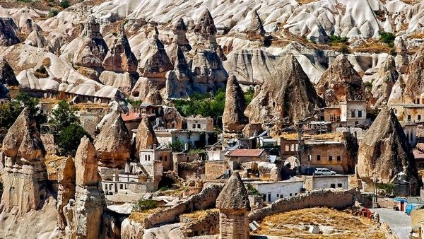5 Tempat Wisata Yang Mirip Di Luar Angkasa