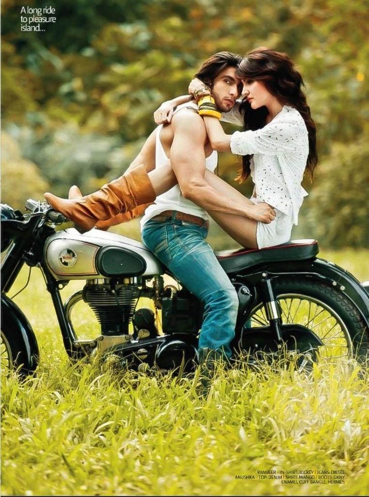Anushka Sharma Hot Filmfare