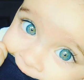 اجمل عيون طفل صغير في الكون