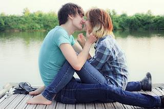 Meu amor me ouve, me ame, me queira.