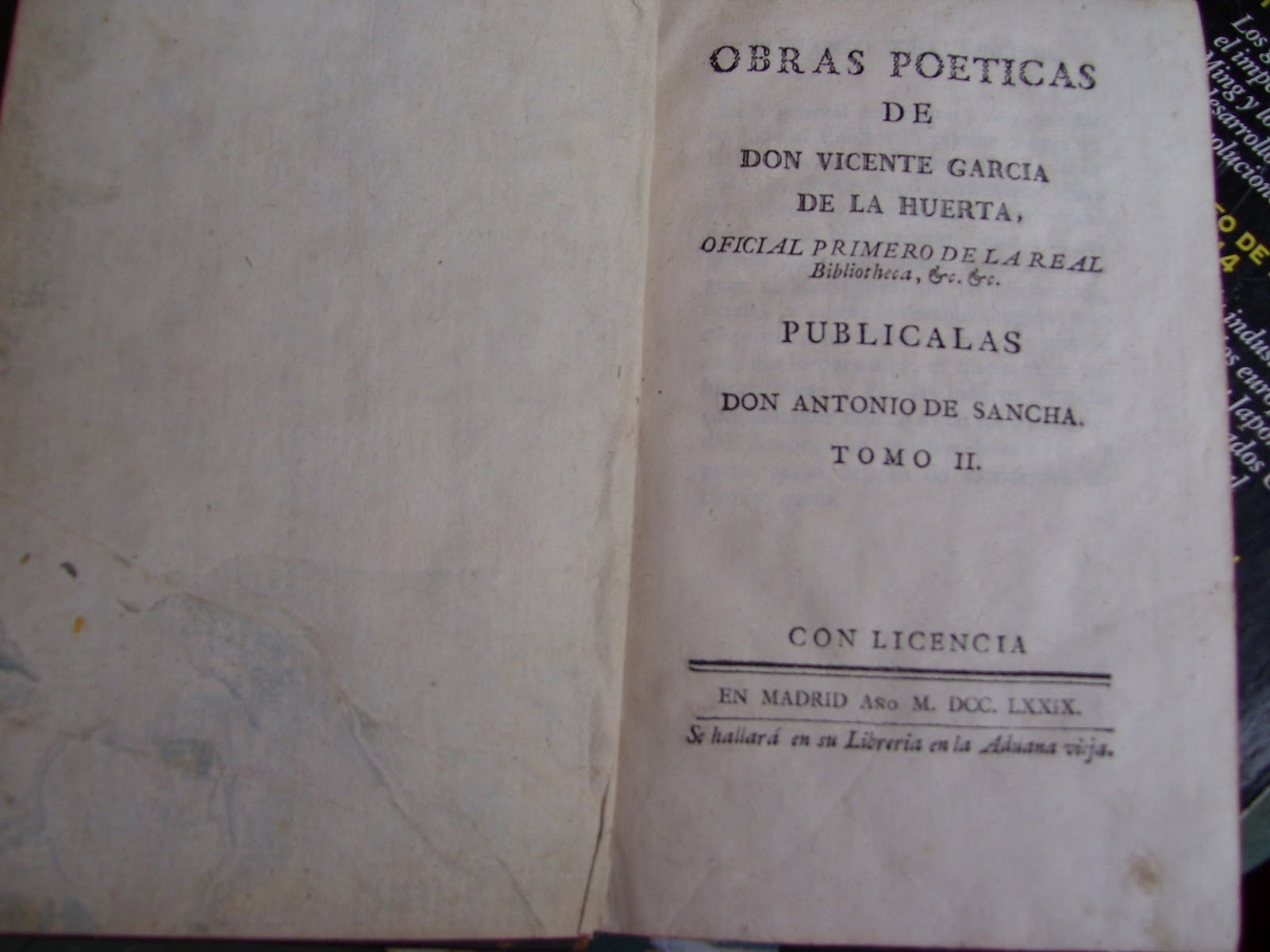 Donnabeaverfatale en la biblioteca privada
