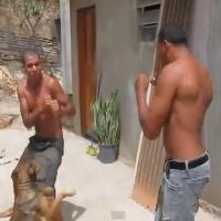 MMA de pedreiro é o maior barato, tem até cachorro