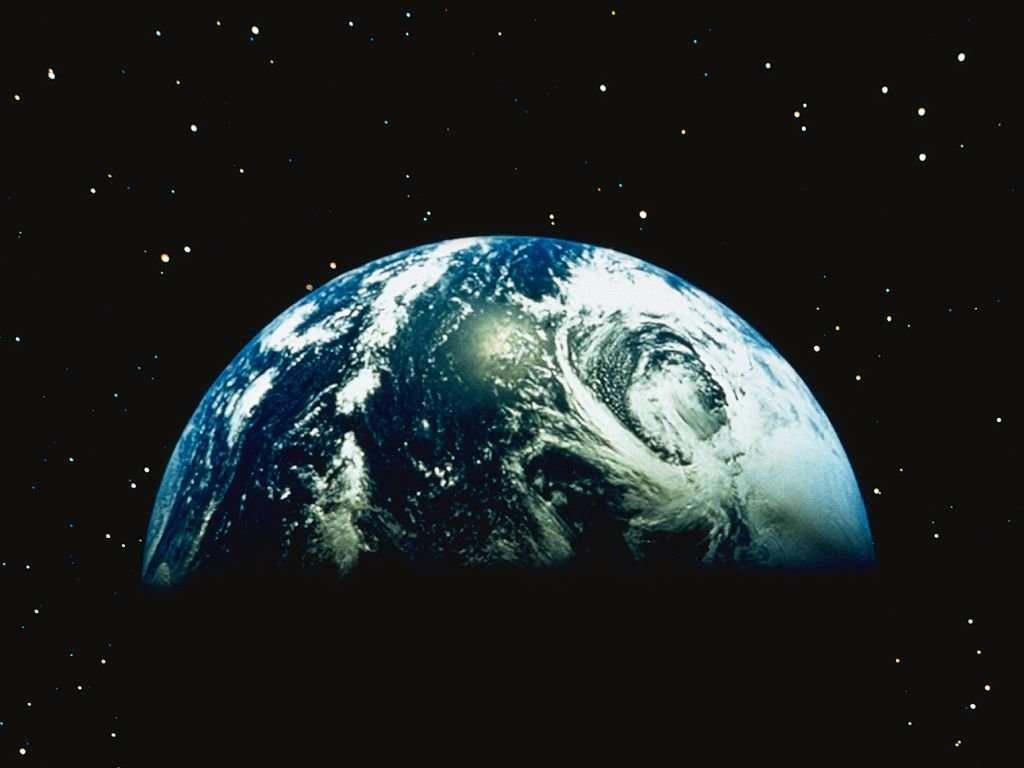 http://4.bp.blogspot.com/-HteMNhPEInw/TcuBmUHcegI/AAAAAAAAAfQ/Smm10KX3ylc/s1600/earth-desktop-wallpaper.jpg