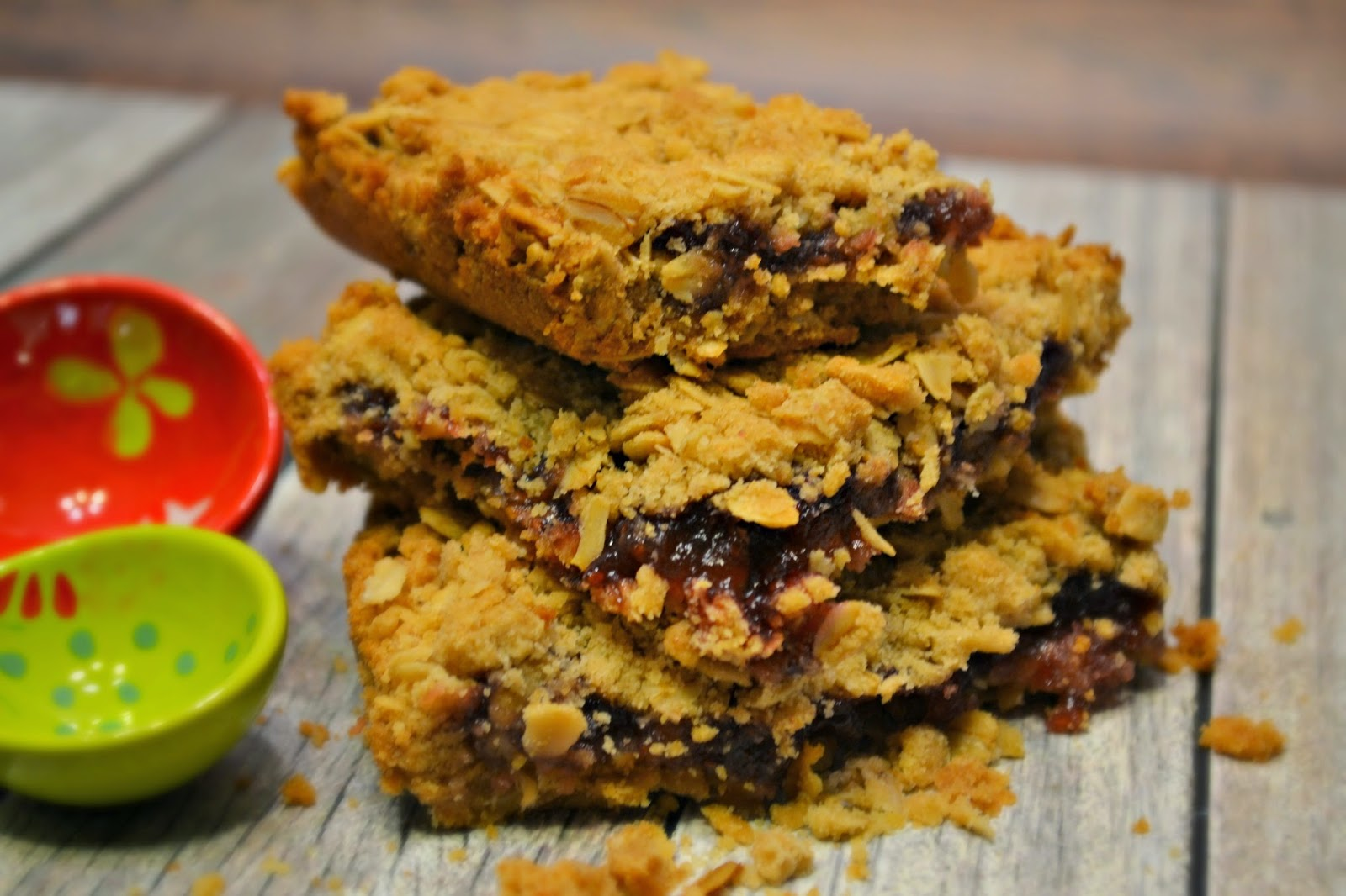Raspberry Oatmeal Cookie Bar #Recipe & Wild Oats Prize Pack.  Oatmeal Cookie Bar recipe.  Recipes with Raspberry Jam.  Raspberry cookies.  Oatmeal cookies.  Wild Oats Marketplace