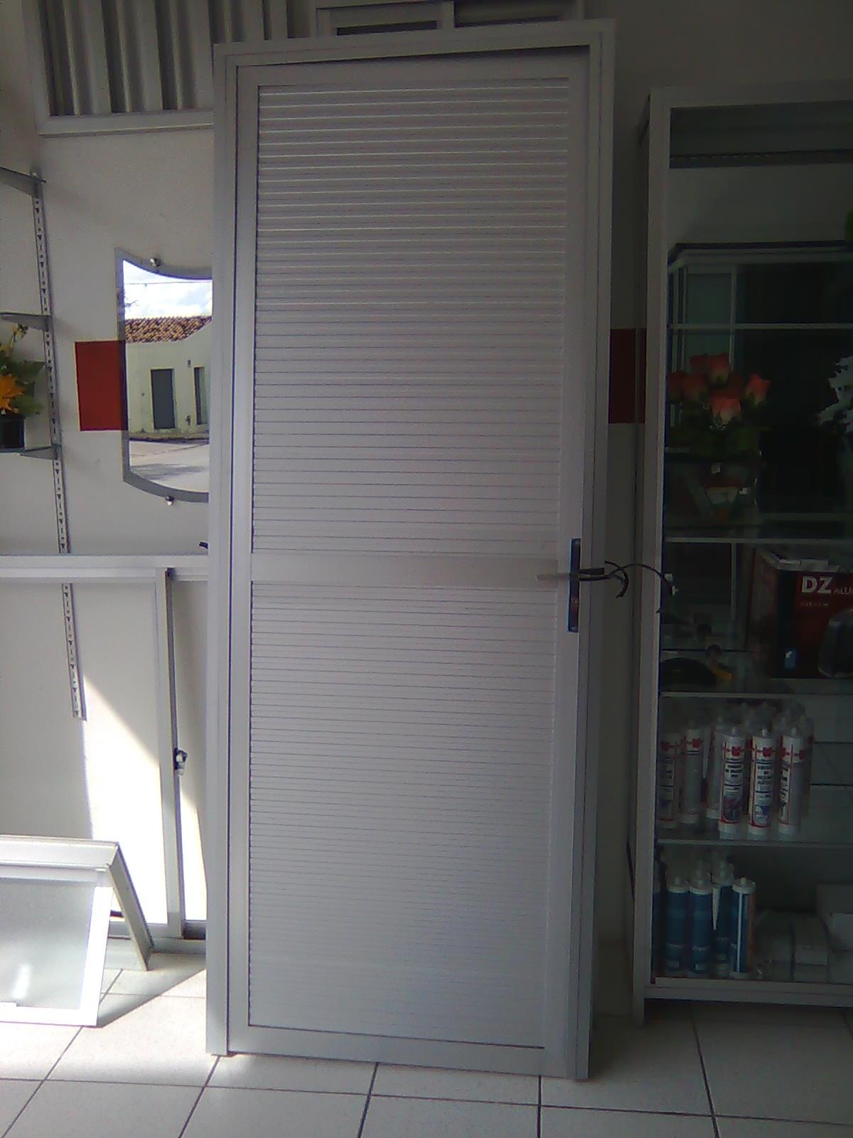 #594A46 PORTA DE ABRIR TODA ALUMÍNO 1100 Portas E Janelas De Aluminio Na Telha Norte