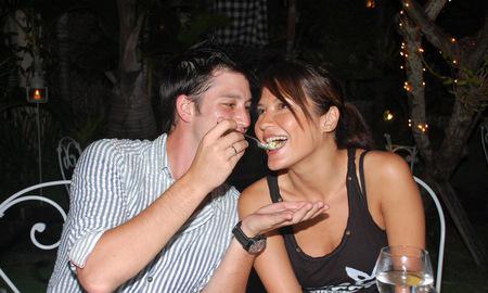 Perceraian Tamara Bleszynski-Mike Lewis Masih Penuh Misteri