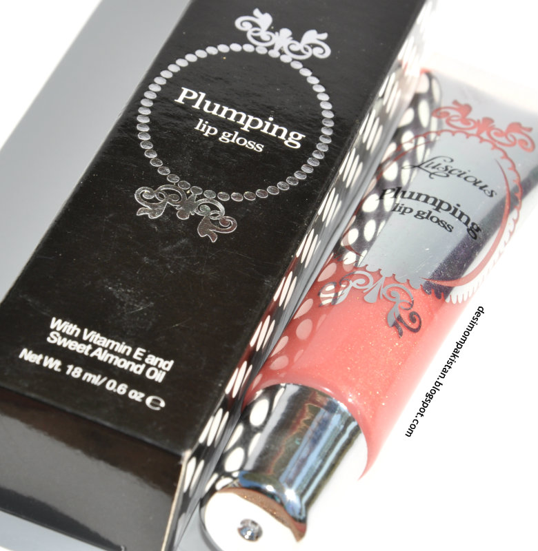 LUSCIOUS PLUMPING LIP GLOSS In SPARKLING STRAWBERRY closeup