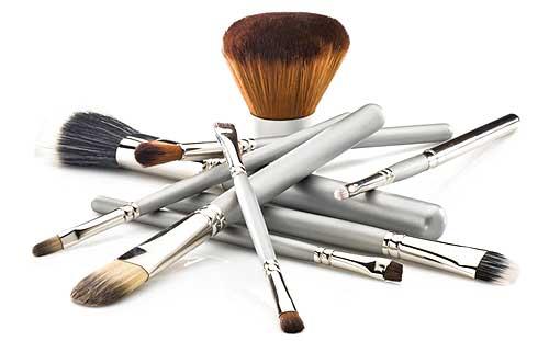 7 Divertidas ideas para organizar tus brochas de maquillaje