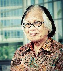 http://kolom-biografi.blogspot.com/