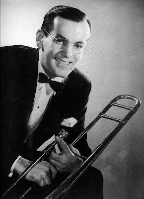 Partitura de En Forma In de Mood de Glenn Miller Partitura para saxofón, flauta, trompeta, trombón, clarinete, saxo tenor, saxo soprano y violín. Partituras de Jazz en diegosax
