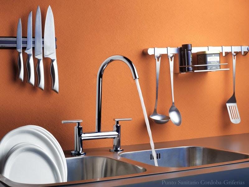 Punto sanitario beneficios de renovar la griferia de la casa for Griferia para cocina