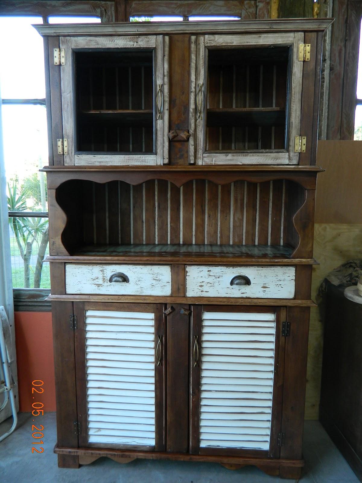 reciclando: Como fazer um armário com madeira de demolição #328299 1200x1600