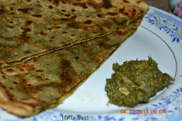 variety of chapati recipes, Basella, Mustard Leaf, Sarsoo ka saag, Spinach,Bread & Buns, Breakfast, dough, saag ka paratha, Paratha, mustard leaves,