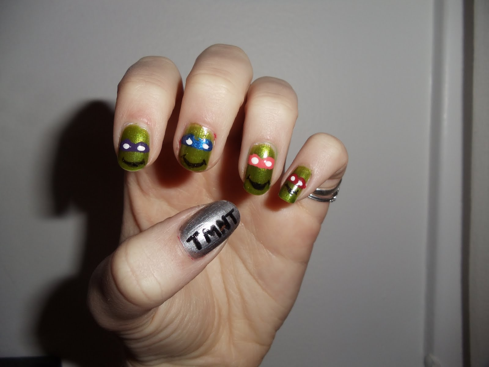 I\'m naked, so what?: nerdy nail art