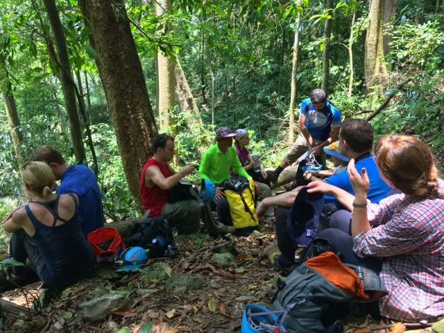 trekking Son Doong 3