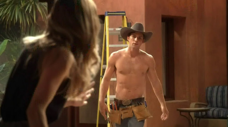 Justin Deeley Shirtless in 90210 s4e01