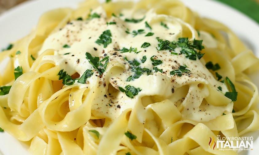 http://www.theslowroasteditalian.com/2014/02/olive-garden-copycat-alfredo-sauce-recipe.html